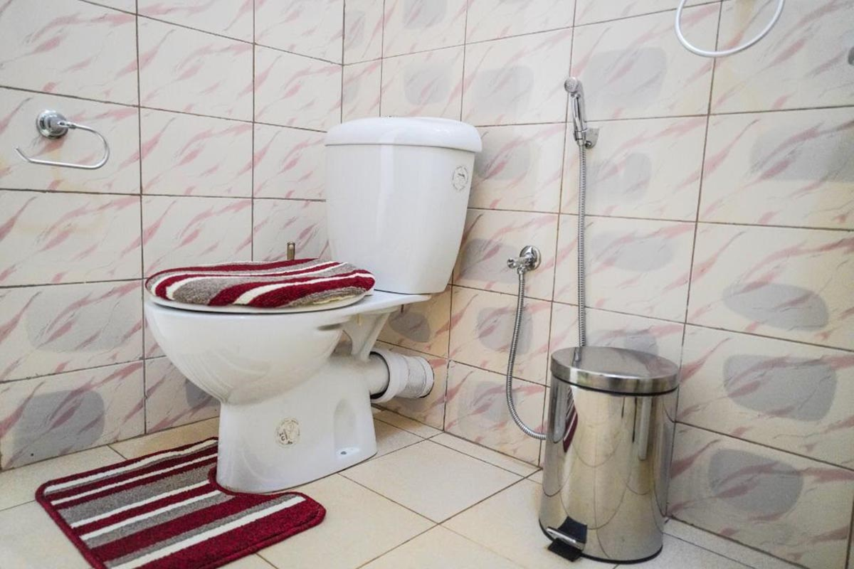 Freshest wash Rooms - interior of The Apartment for Renting in U